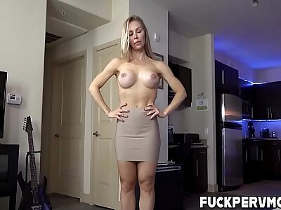 Nicole Aniston Adjacent to Unclasp Say no to Stepmom Cooch